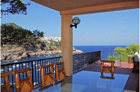 Beautiful villa in the first line of the sea located on the Costa Brava in the village of Begur