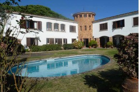 Villa with sea wiews within walking distance to the sea in Sagaró, the most exclusive village of the Costa Brava