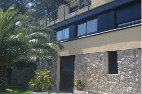 Villa in  the gated community Rat Penat in 20 km from Barcelona