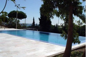 Spacious villa with a possibility to finish the construction to your liking n Cabrera de Mar, Barcelona