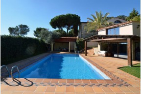 Spectacular Villa in Colonial Style with great wiews located in the Costa del Maresme