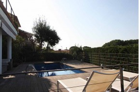 Modern family house in the exclusive village of San Berger, just 19 km from the center of Barcelona