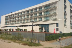Seafront 4 star hotel on Maresme coast.