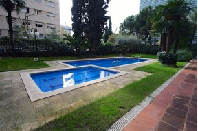 Sunny high floor apartment with a communal pool  in the exclusive district of Pedralbes, Barcelona