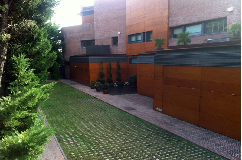 Spectaculaire maison avec piscine priv e pedralbes - Location maison piscine barcelone ...