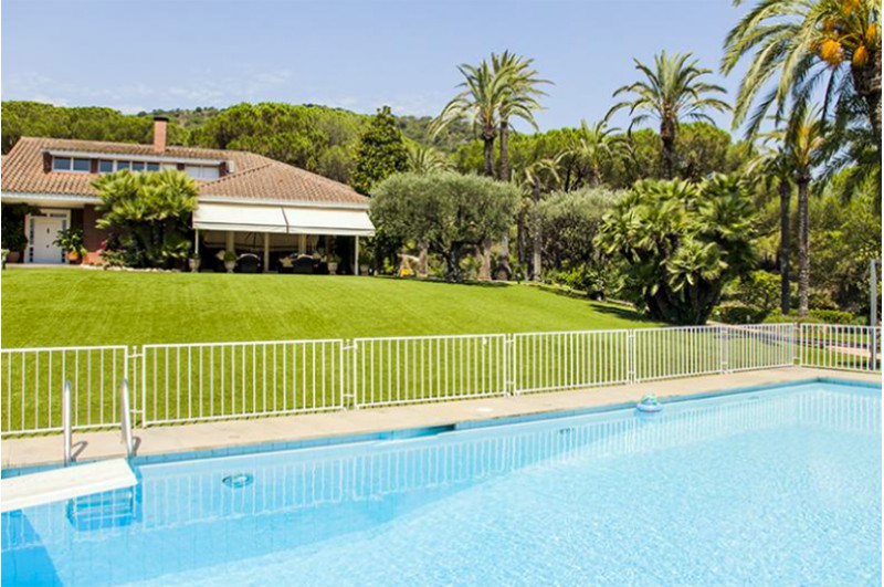 Charming Twin House With Pool In Maresme Coast A Few Km Of Barcelona